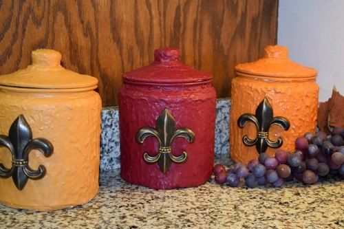 You might want glass jars when you see what she does with spackle!