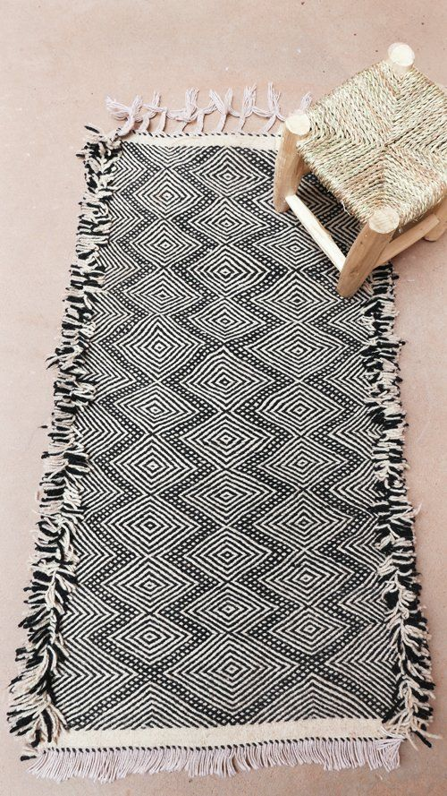 Image of Moroccan Small Kilim Rug - Diamonds Pattern Flatweave #1