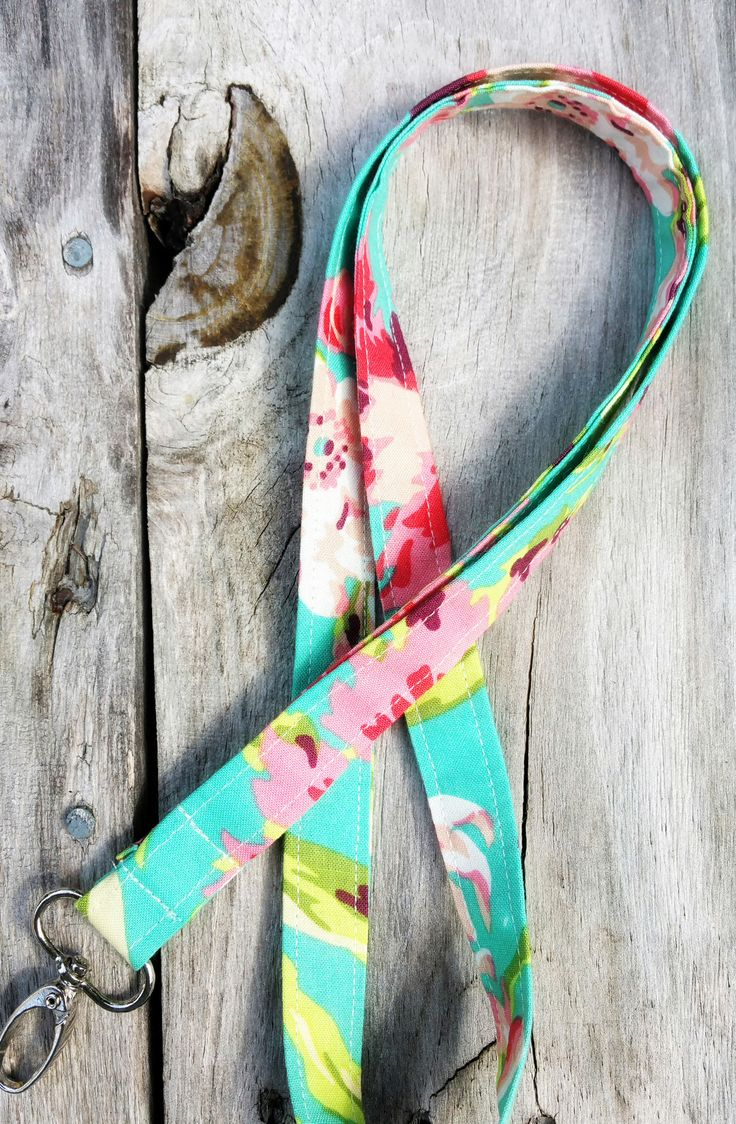 1000 ideas about lanyards on pinterest id holder for How to make a paracord lanyard necklace