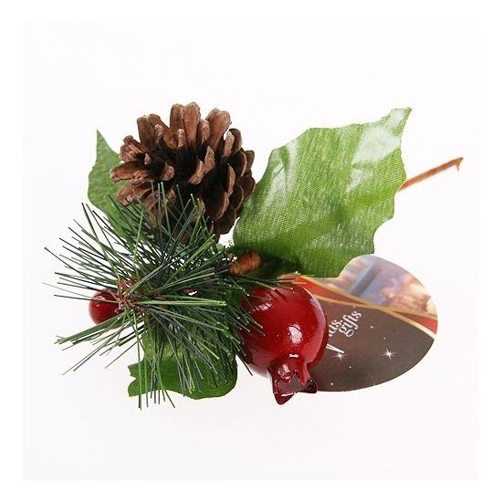 Deze kerststukje stekertjes met dennenappels zijn gemaakt van kunststof en natuurlijk materiaal. Afmeting: ca. 13 x 4 x 10 cm.