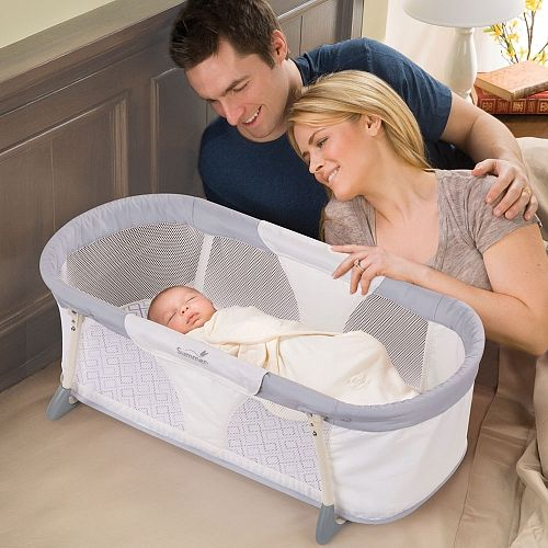"""BABIES """"R"""" US - Couchette stable By Your Side de Summer Infant"""