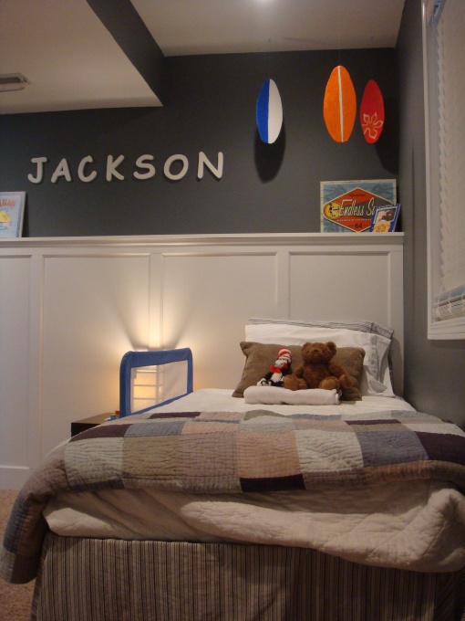 1000 images about hollister inspired design style on for Kids media room