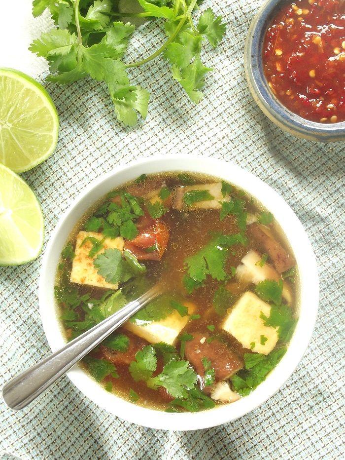 Asia - Zitronengras - Suppe mit Shitakepilzen
