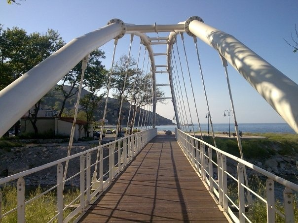 bridge to papa nero beach, from agios ioannis, pelion, greece