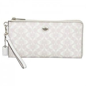 Coach Peyton Dream C Holdall Wallet in Dove/White