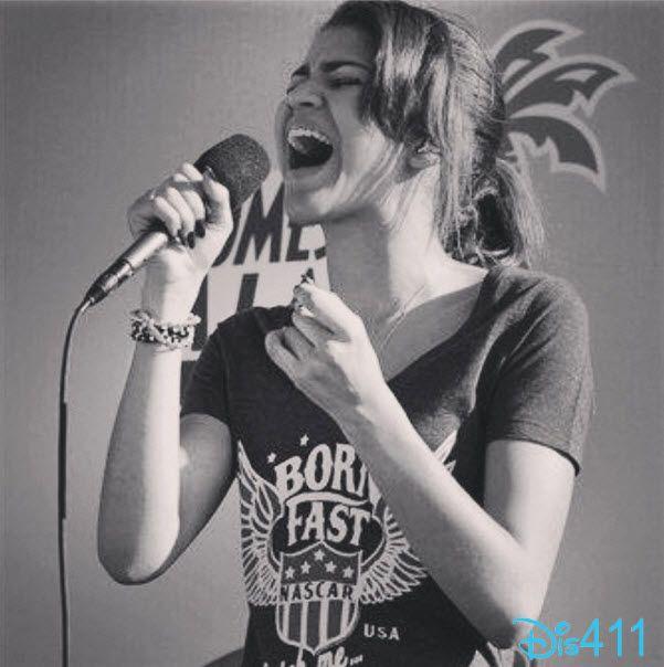 Zendaya Singing The National Anthem At The Steelers Vs. Bengals Game December 15, 2013