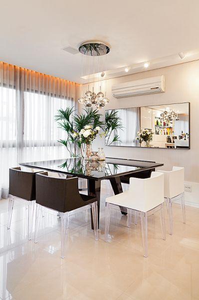 Mundstock Arquitetura - Apartamento Bela Vista 2 CLEAN MODERNO E BELO <3 AS CORES EM HARMONIA BRANCO, CINZA VERDE TRANSPARENCIAS ESPELHADOS E LILÁS E VIOLETAS