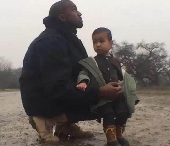Filha de Kim Kardashian aparece no novo videoclipe do pai http://angorussia.com/entretenimento/fama/filha-de-kim-kardashian-aparece-no-novo-videoclipe-do-pai/
