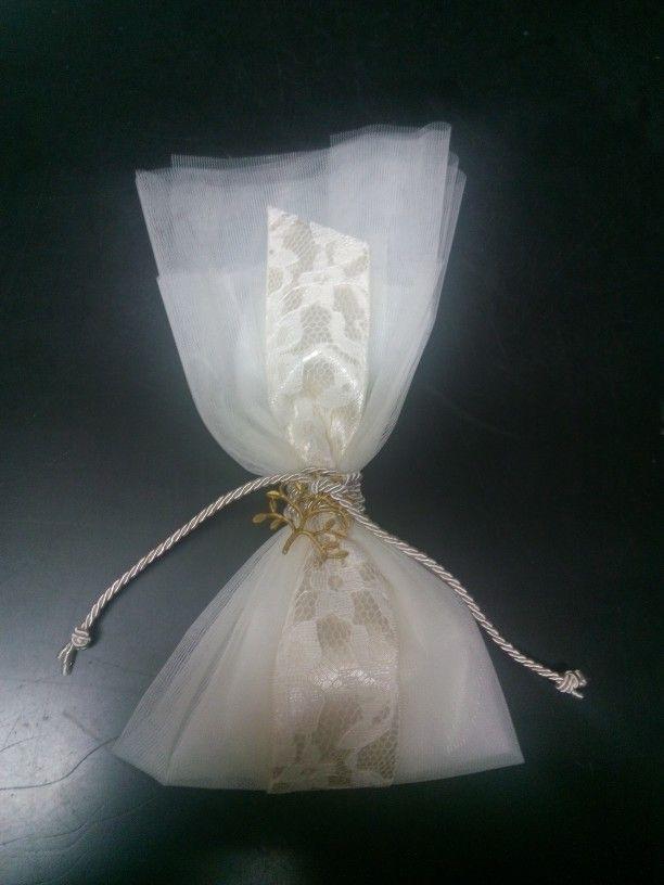 Μπομπονιέρα γάμου κορδέλα σατέν δεντρο