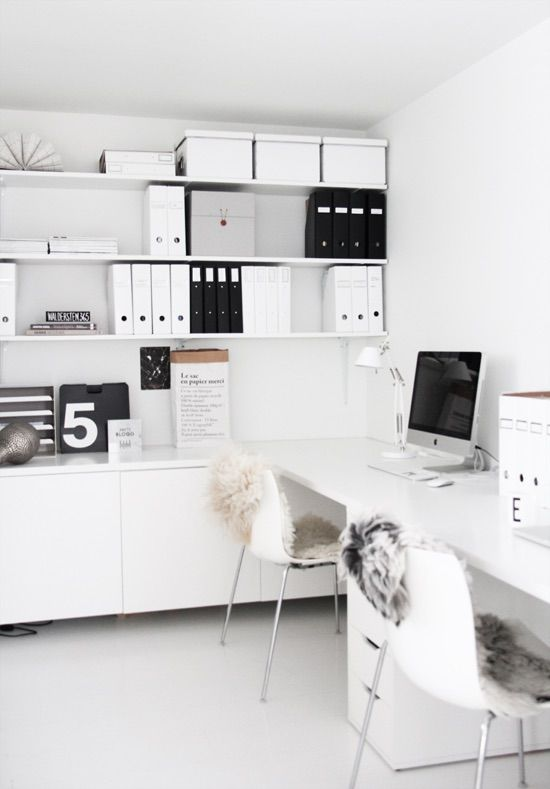 Minimalist office interior design idea for a crisp clean home office