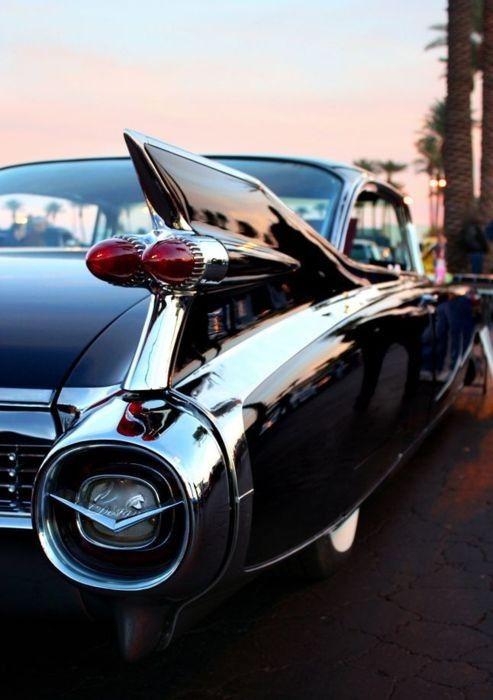 1959 Cadillac  Source: brujas