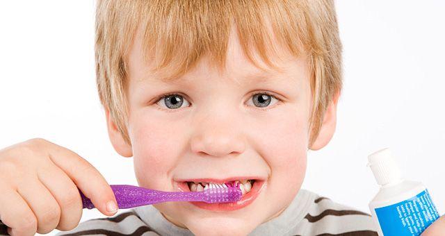 Problemas na sensibilidade nos dentes Em caso de sensibilidade nos dentes saiba que tem tratamento e deve ser cuidada com a ajuda de um dentista, pessoa que poderá indicar, inclusive, uma pasta de dentes adequada para a sensibilidade.
