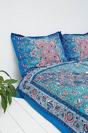 Dandelion Medallion Pillow Set in Blue - Urban Outfitters