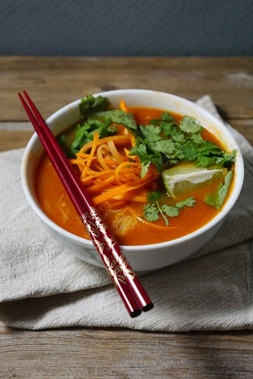 lumo lifestyle: 5:2-keitto aasialaisittain / Asian inpired 5:2 fast soup  http://lumolifestyle.blogspot.fi/2014/10/52-keitto-aasialaisittain-asian-inpired.html