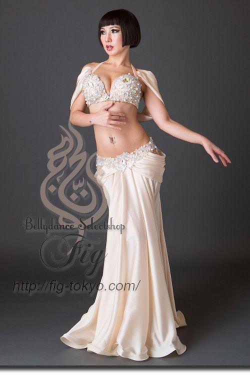 Design by Aida Style / Model: TIDA / Fig Belly Dance #figbellydance #bellydancecostume #worldwideshipping