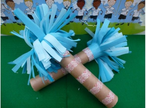Make your own cheerleader pom poms - great fun for little ones #craftsforkids
