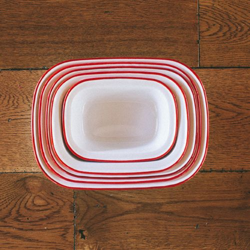 Falcon Enamelware Pie Dish Set (White with Red Trim) (Everingham and Watson)