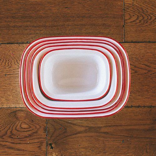 Falcon Enamelware Pie Dish Set (White with Red Trim)