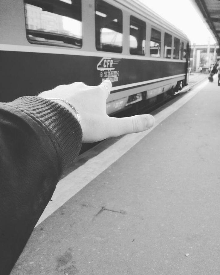 ' Dacă ai ceea ce te defineşte în capul tău, atunci se poate spune că ai carisma '   #Just can't get enought; #C.F.R. Calatori; #Travelling from Bucharest North Railway Station to Timisoara North Railway Station   www.talosdarius.ro