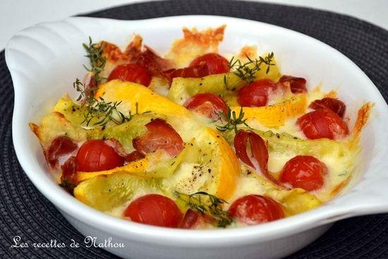 Courgettes rondes et tomates cerise rôties au jambon cru et à la mozzarella : la recette facile