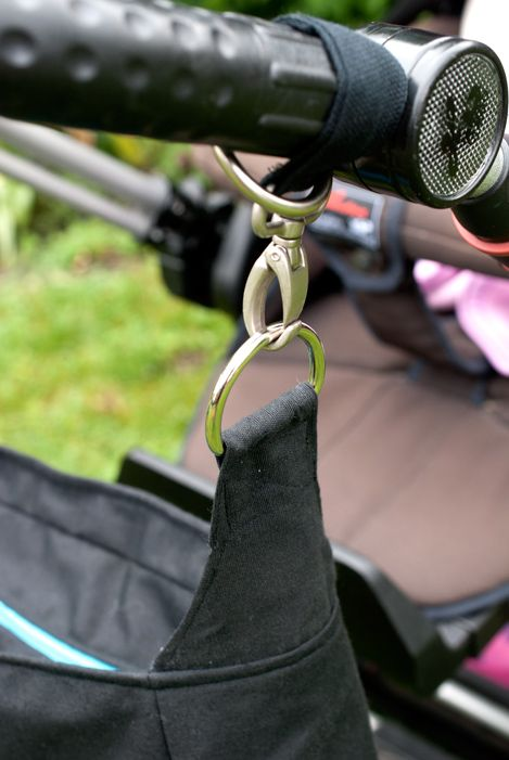 Detail Aufhängung für Kinderwagentasche - eine Auftragsarbeit.