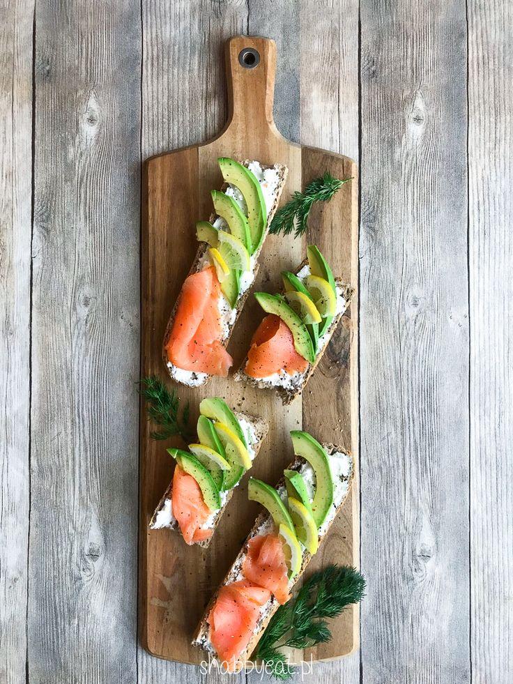 Kanapka z łososiem, awokado i serkiem kozim - Shabby eat / śniadanie / smoked salmon avocado goat cheese sandwich / breakfast recipe