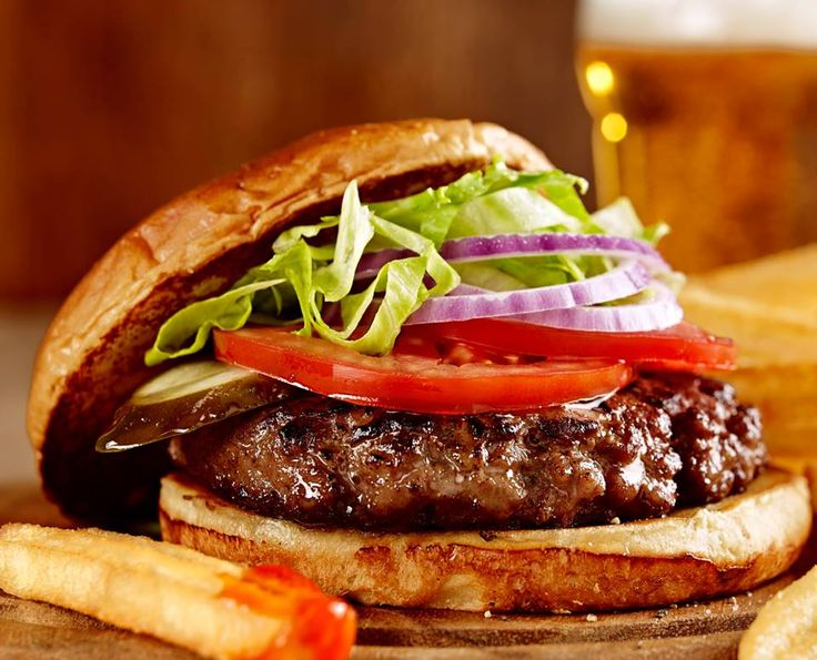 $5 Burgers and Pints ALL DAY St Louis Wings on Yonge St. #burger #lunch #eat #toronto