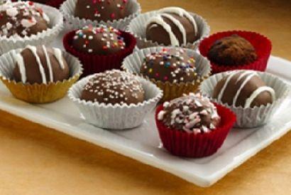How to make chocolate cake bon bons http://www.partysuppliesnow.com.au/