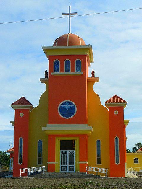 Iglesia de Combate ~ Cabo Rojo, Puerto Rico | Photography by Tapa Amarilla, via Flickr