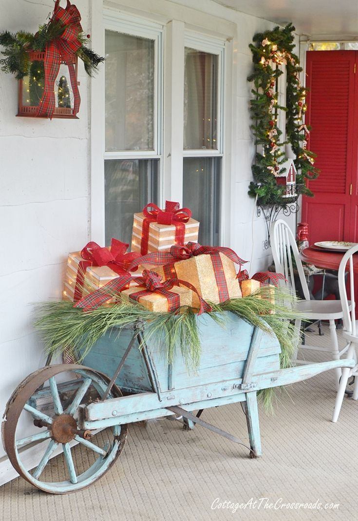 udderly festive christmas front porch farmhouse country cottage rh pinterest com