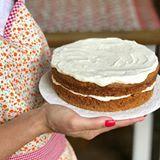 #carrotcake lista para la hora del té 🧡 Este Domingo de lluvia es ideal para comer cosas ricas! Es una torta súper húmeda, me encanta! Y no lleva ni leche ni manteca! Así que es muy buena opción para intolerantes a la lactosa 😌 La #receta en www.soyglutenfree.com (Link en el perfil) #sintacc #singluten #glutenfree #🍴❤️👯 #sinlactosa #dairyfree #aptoparaceliacos #ricoparatodos #recetassingluten #foodblogger #gfblogger