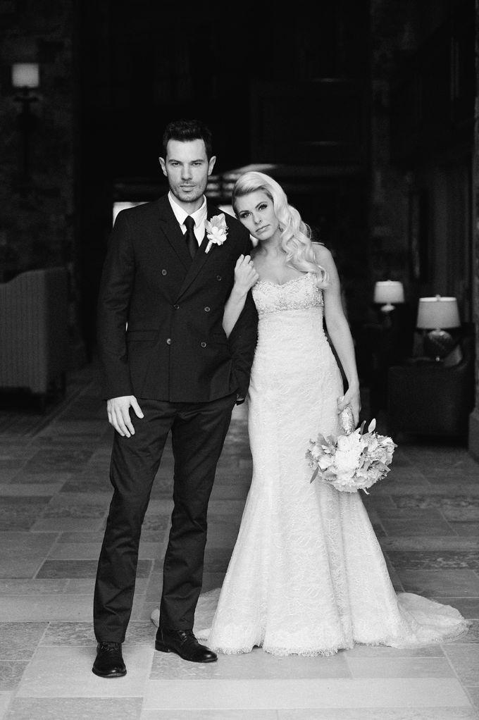 Great Bridegroom Pose Wedding Photo Poses Ideas Bride Groom