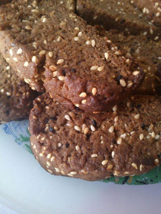 H μάνα του ... λόχου: Γλυκά παξιμαδάκια με σουσάμι