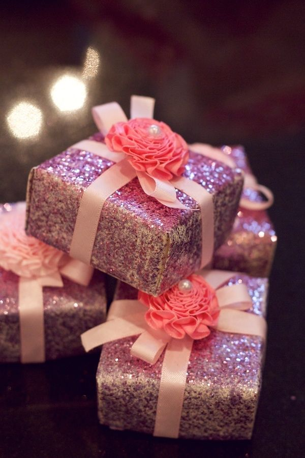 Glittered-Wedding-Favors, doesn't matter what favor you put in this box it will be super cute. GOLD, Peach ribbon