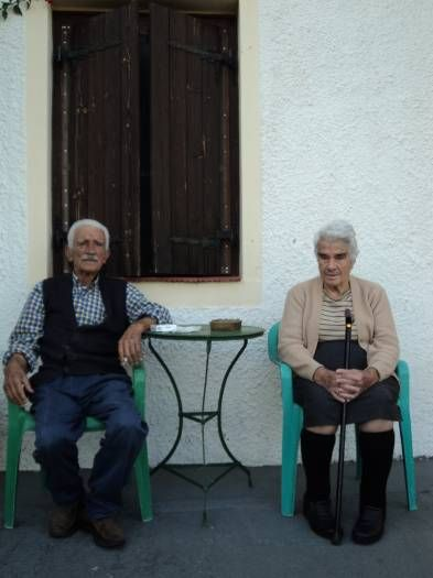CONDELO P. - AUSTRALIA-ΕΚΠΡΟΣΩΠΟΣ ΤΗΣ ΕΛΛΑΔΑΣ:Every afternoon my yiayia and papou sit at this spot watch people and cars pass by and say hello. My papou smoked up until the day he died.