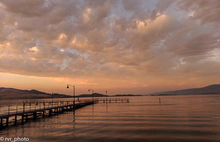 Vista del lago Flathead Lake en Polson City, Montana State, USA www.vivimosdeviaje.com