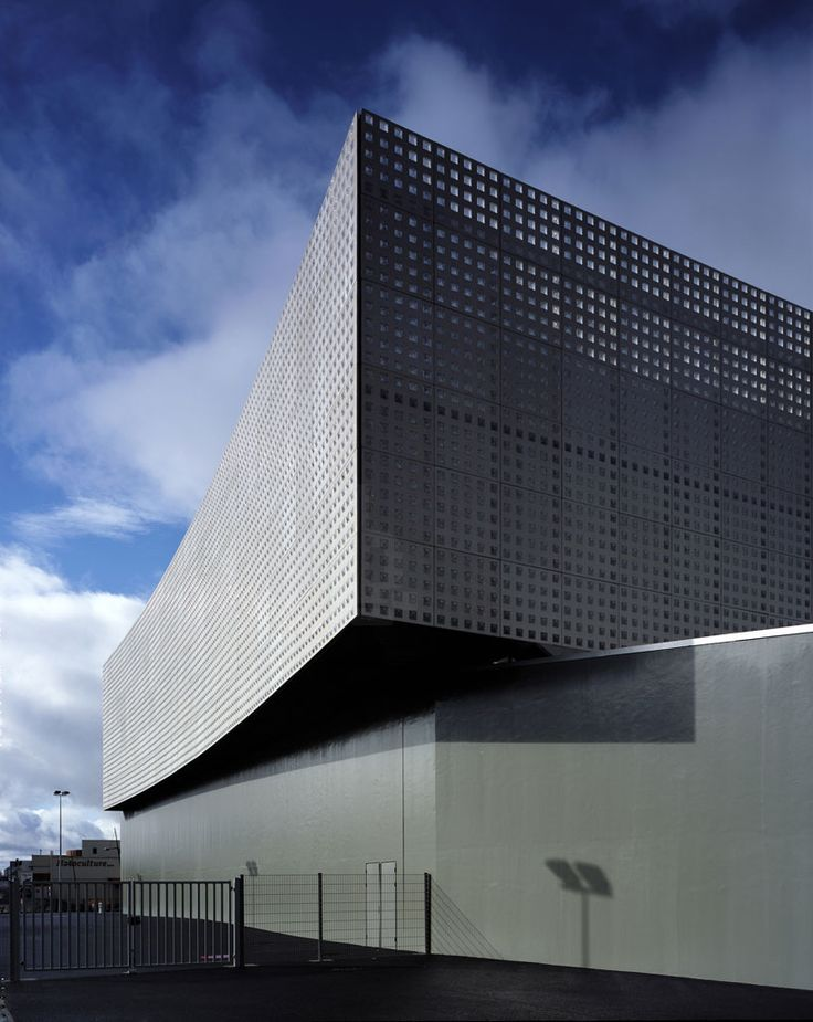 le prisme multi-purpose hall by brisac gonzalez architects in aurillac, france
