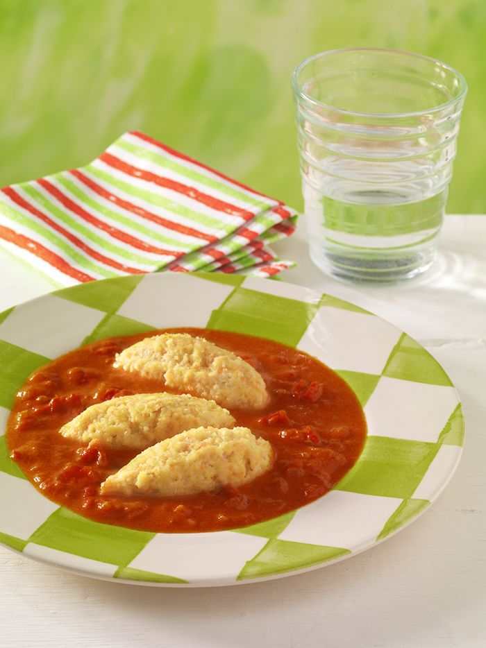 Gemüsenockerl in Tomatensauce   Das Carotinoid Lycopin und das Vitamin C in Tomaten stärken die Abwehrkräfte.