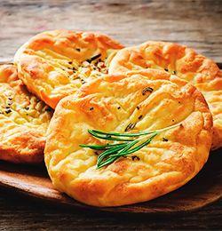 Div. brødoppskrifter.  Mange kvier seg for å bake selv. Det er det ingen grunn til. Prøv en av disse oppskriftene og du er på god vei til å bli en bedre baker.
