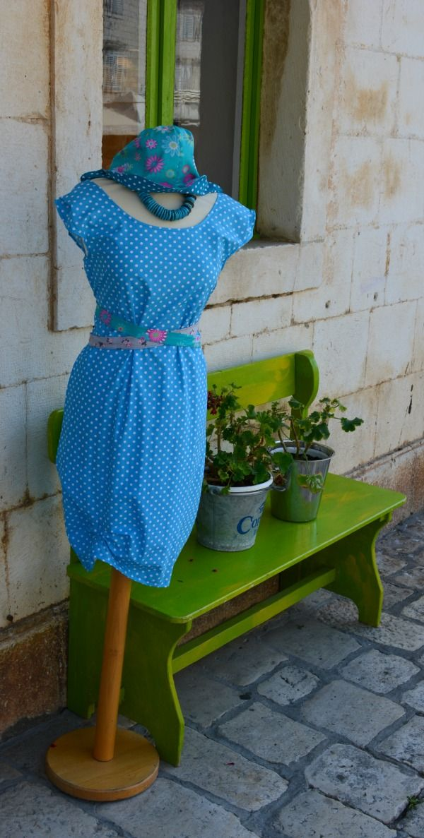 chic outfit in hvar