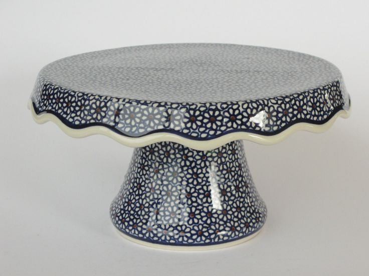 We love this polish pottery cake stand....too cute!