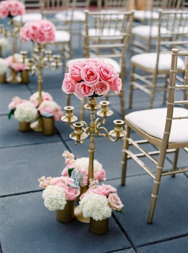 Rose aisle markers | Milton Photography on @myhotelwedding via @aislesociety