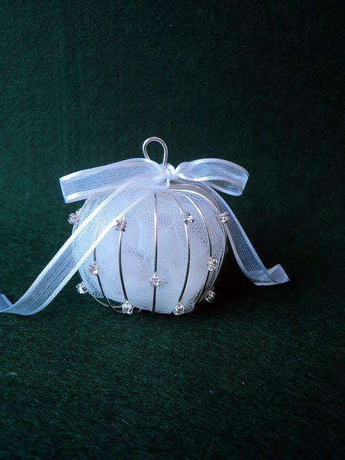 Μπομπονιέρα γάμου μεταλλικό μήλο με στρας