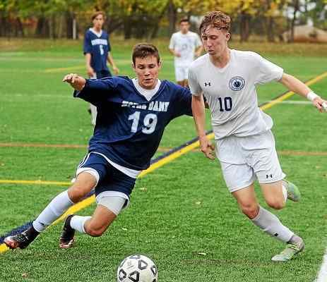 Donavan Davis, right, assisted on the game's lone goal and the Princeton Day School beat Newark Acadey, 1-0, to clinch the Prep B state title on Sunday afternoon.