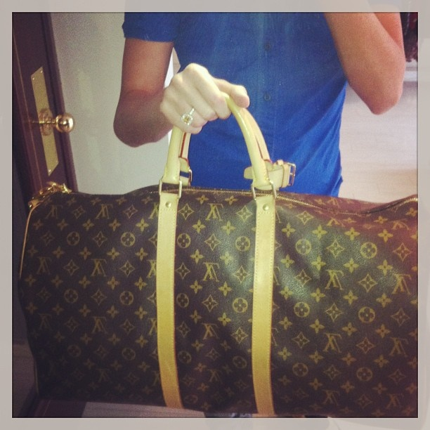 Just in! Virtually new Louis Vuitton keepall 55 with strap in monogram! Only 1200 in the Montreal remix store! Make it yours today! #mtl #montreal #remixmontreal - @remixclothing- #webstagram