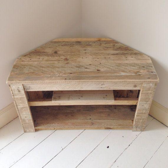 Best 20 wooden corner tv unit ideas on pinterest wooden for Pallet corner bench