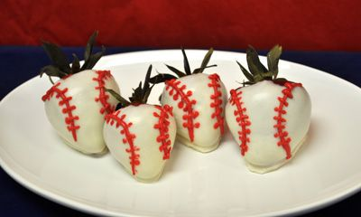 Chocolate covered strawberry baseballs recipe - every dad's dream gift!