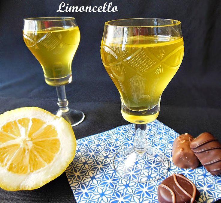 Ingrediente:   12 lamai mari, cu coaja mai groasa  1 litru alcool de 98 de grade  800 gr zahar  800 ml apa plata    Mod de preparare:   S...