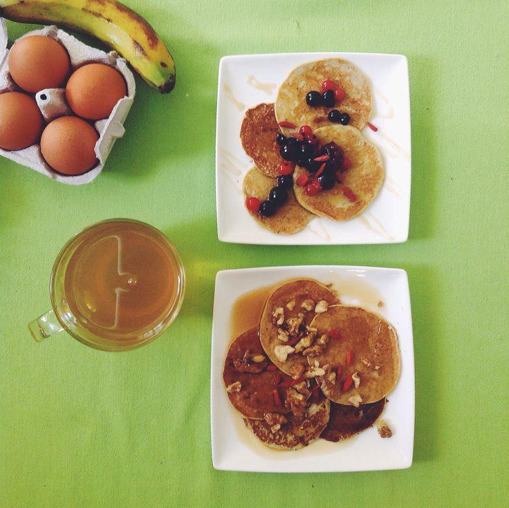 Two ingridients #pancakes: 2 eggs + 1 banana  #breakfast #paleo #honey #nuts #berries