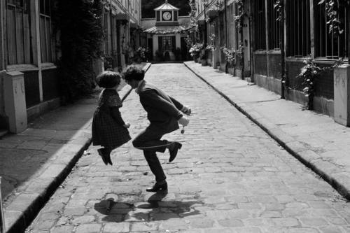 Sarah Moon - Rue de Reuilly,12th arrondissement, Paris, 1983. From Magnum Photos